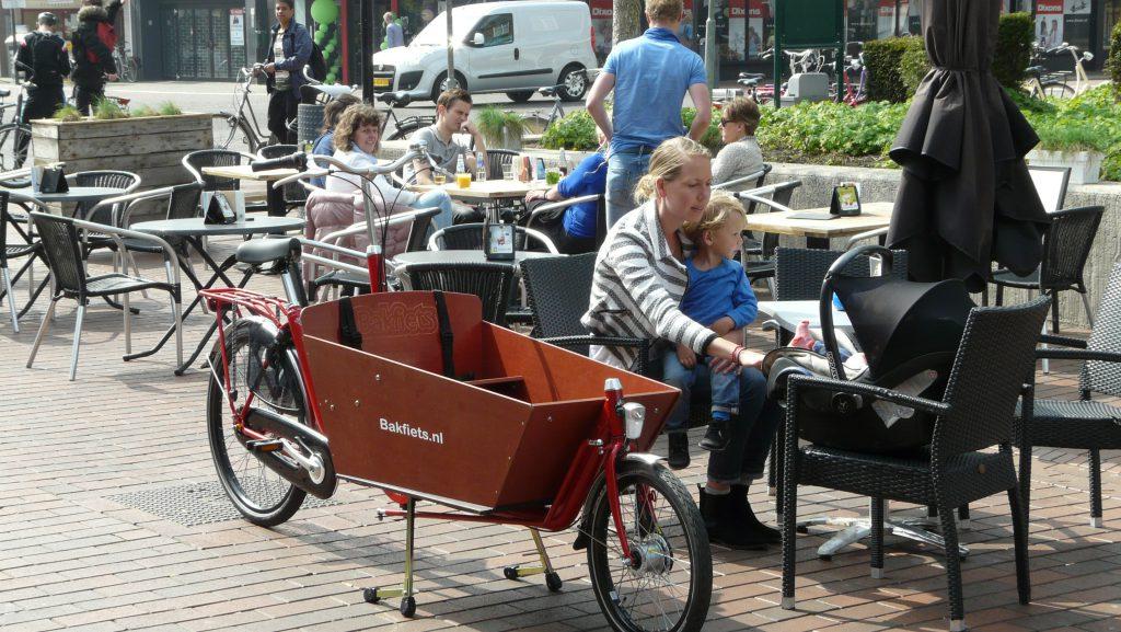 Bakfiets.nl terras Evers Janssen Tweewielers Nijmegen